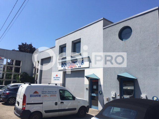 Bureaux à louer 0 154m2 à Charbonnières-les-Bains vignette-6