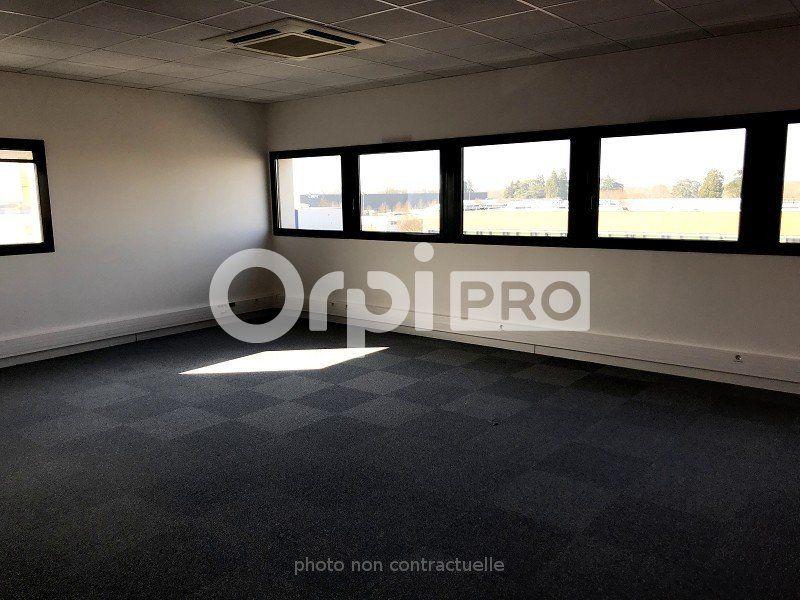 Bureaux à louer 0 217m2 à Saint-Cyr-sur-Loire vignette-3