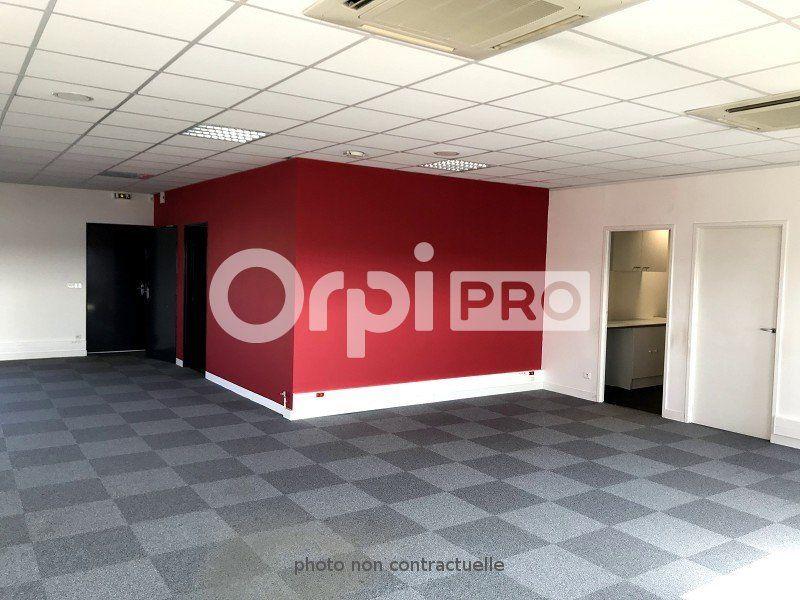 Bureaux à louer 0 217m2 à Saint-Cyr-sur-Loire vignette-4