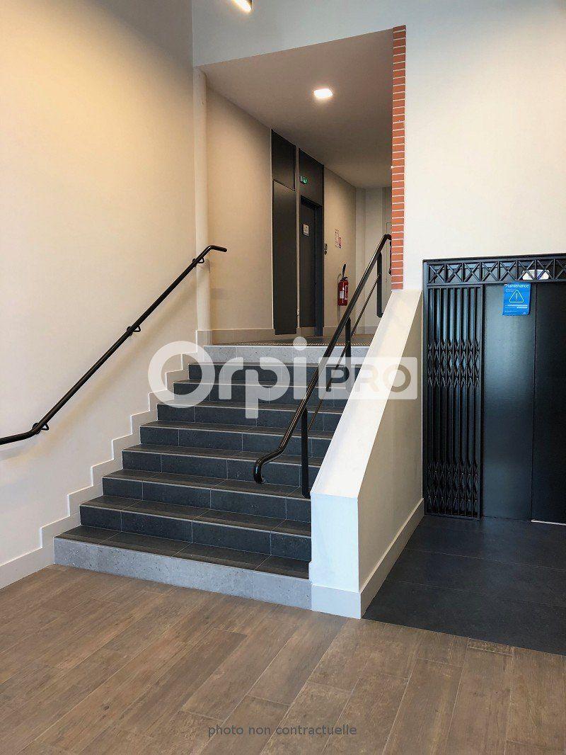Bureaux à louer 0 272m2 à Reims vignette-9