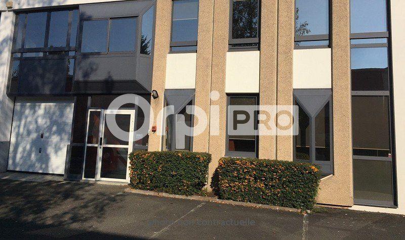 Bureaux à louer 0 265m2 à Champagne-au-Mont-d'Or vignette-1