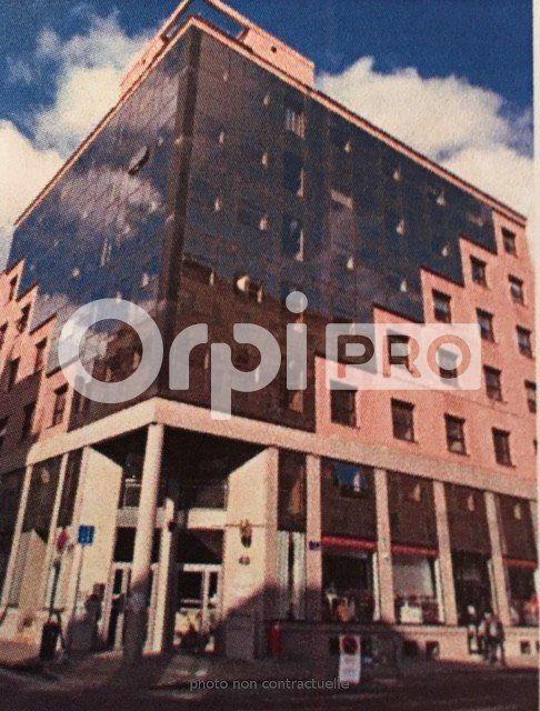 Bureaux à louer 0 129m2 à Lyon 7 vignette-2