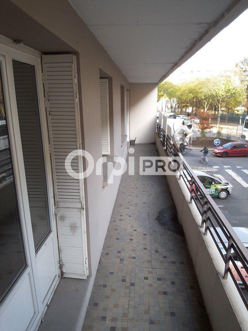 Bureaux à louer 0 119m2 à Villeurbanne vignette-7