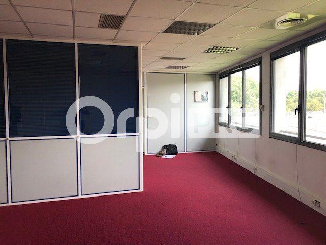 Bureaux à louer 0 183m2 à Lyon 7 vignette-3