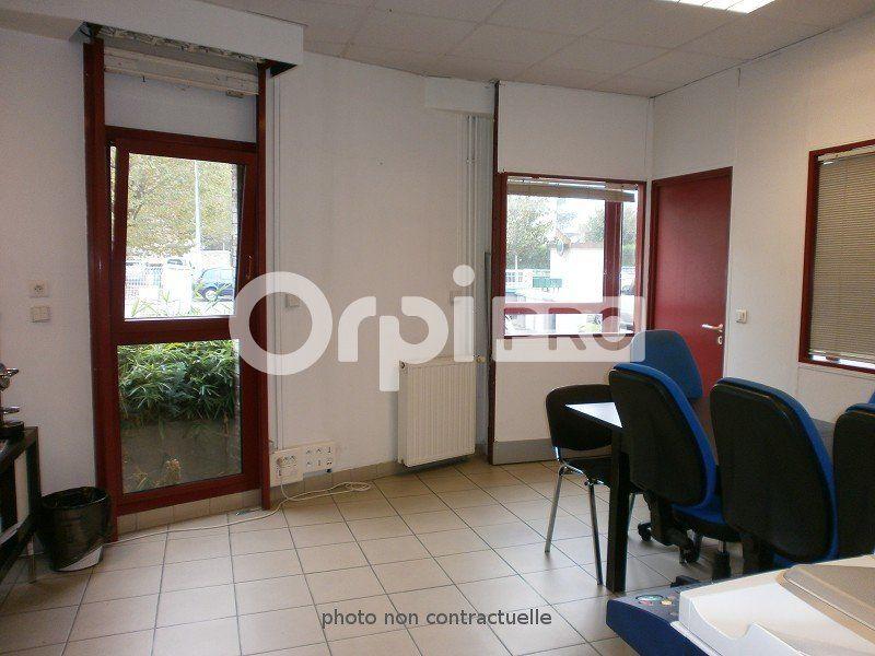 Local commercial à louer 0 79m2 à Boussy-Saint-Antoine vignette-3
