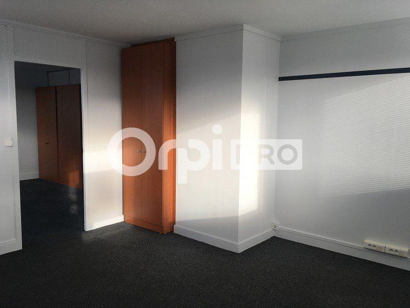 Bureaux à louer 0 125m2 à Le Havre vignette-3