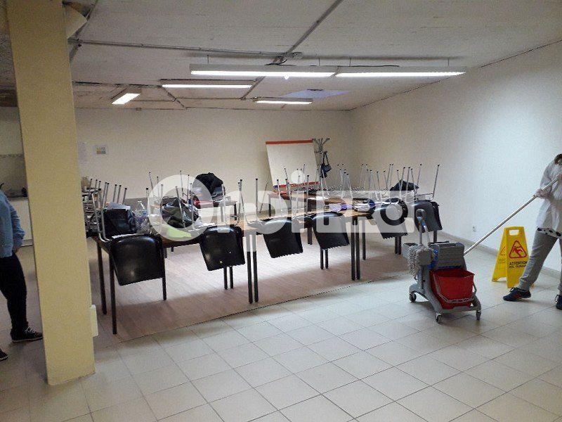 Bureaux à louer 0 141m2 à Montluçon vignette-1