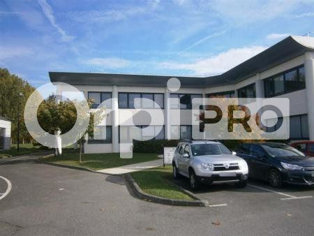 Bureaux à louer 0 852m2 à Lacroix-Saint-Ouen vignette-1
