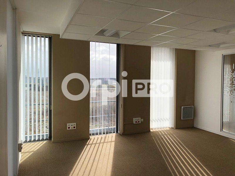 Bureaux à louer 0 230m2 à Reims vignette-3