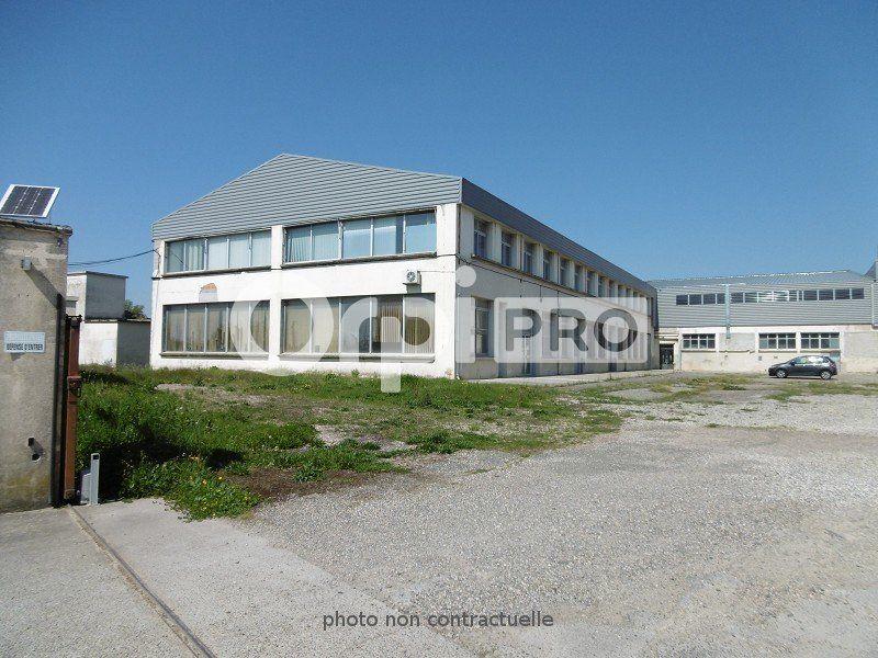 Entrepôt à louer 0 6000m2 à Montauban vignette-2