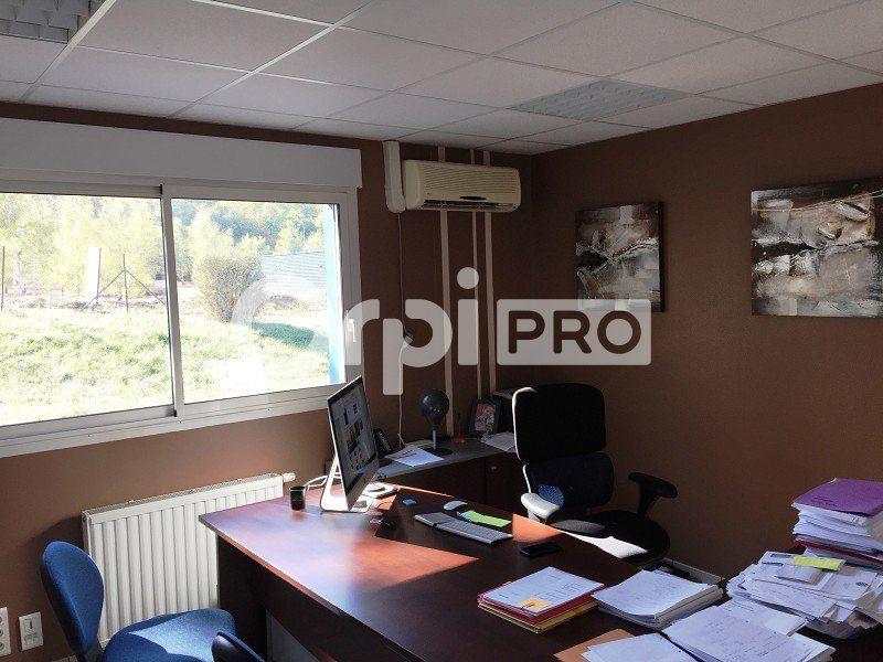 Bureaux à louer 0 152m2 à Limoges vignette-8