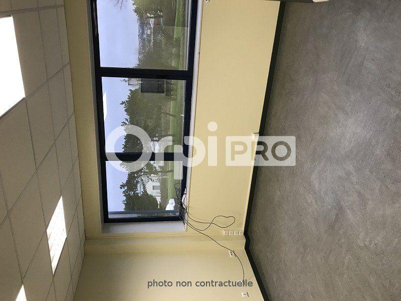 Bureaux à louer 0 110m2 à Le Havre vignette-2