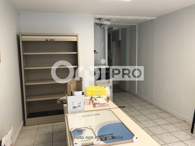 Bureaux à louer 0 70m2 à Limoges vignette-4