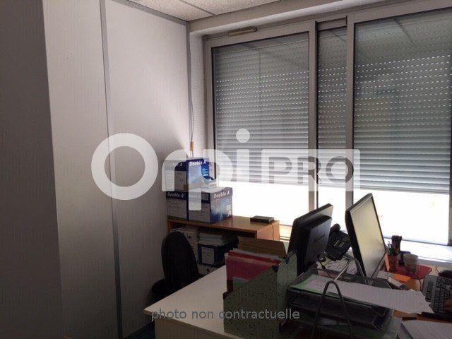 Bureaux à louer 0 150m2 à Lyon 7 vignette-8