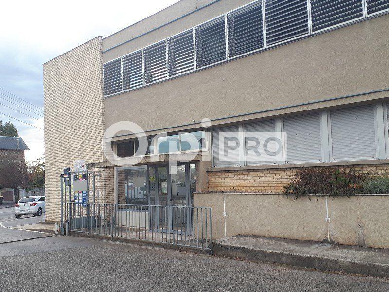 Bureaux à louer 0 323m2 à Senlis vignette-2