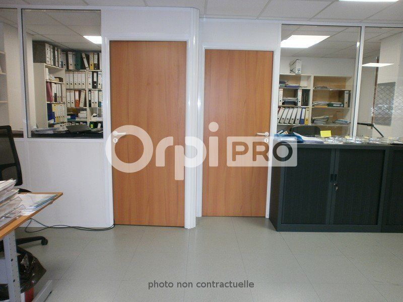 Local commercial à louer 79m2 à Boussy-Saint-Antoine