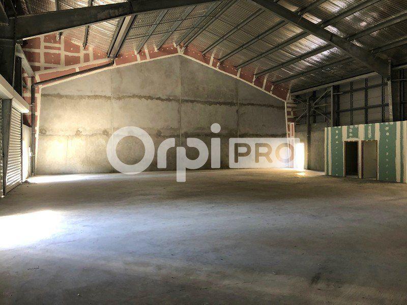 Entrepôt à louer 440m2 à Fort-de-France