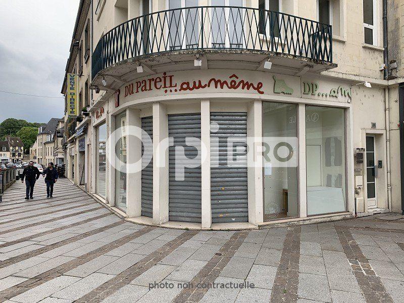 Local commercial à louer 145m2 à Compiègne