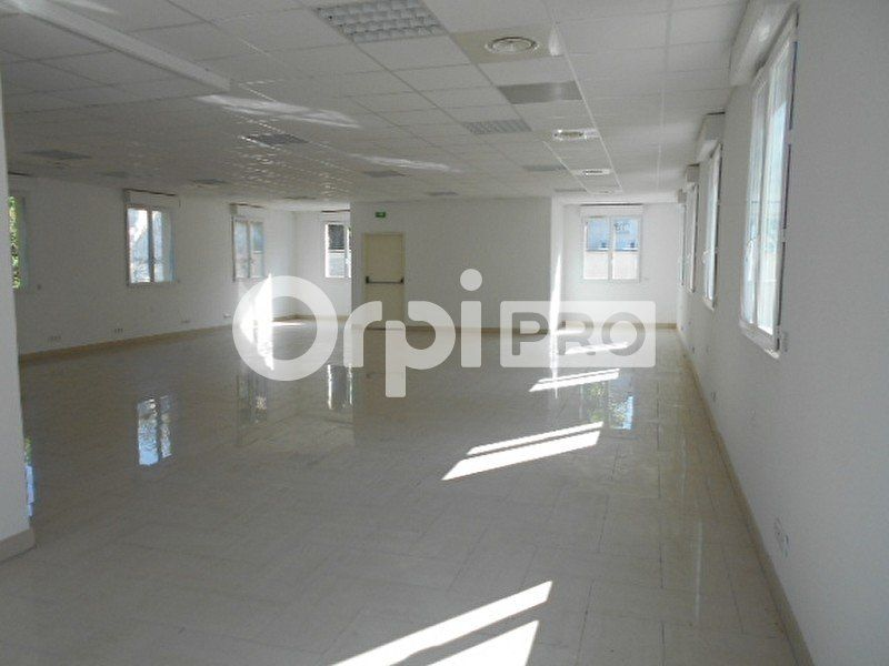Bureaux à louer 622m2 à Dammarie-les-Lys