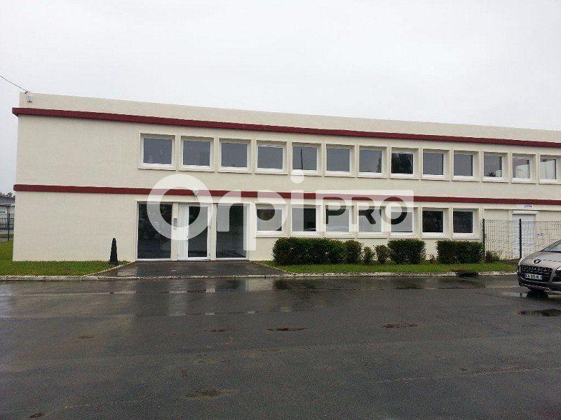 Bureaux à louer 84m2 à Lacroix-Saint-Ouen