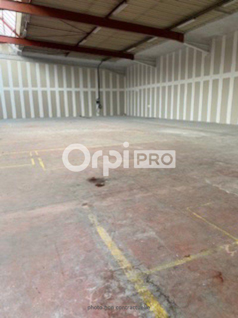 Entrepôt à louer 770m2 à Villefranche-sur-Saône