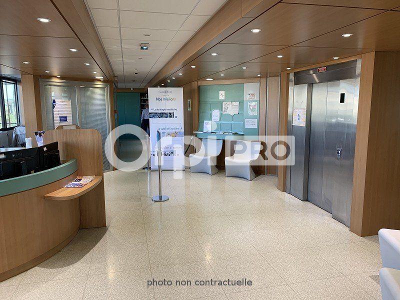 Bureaux à louer 565m2 à Compiègne