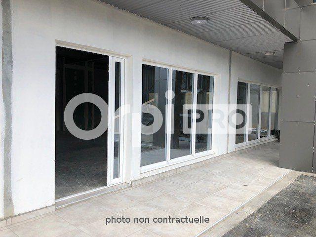 Local commercial à louer 84m2 à Baie-Mahault