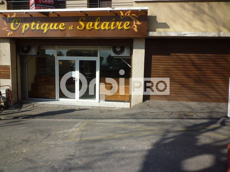 Local commercial à louer 130m2 à Manosque