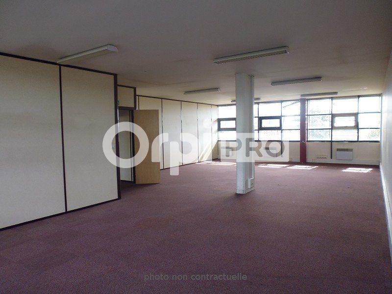 Bureaux à louer 420m2 à Dammarie-les-Lys