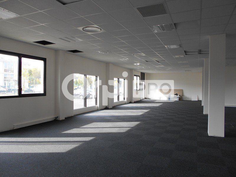 Bureaux à louer 440m2 à Lieusaint