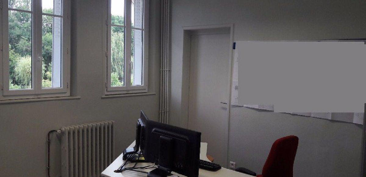 Bureaux à louer 140m2 à Bourges
