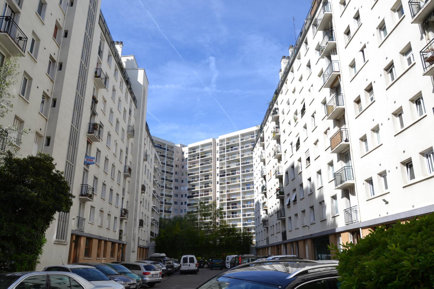 Ahurissant 139 avenue daumesnil 75012 paris renaa conception - Leroy merlin nation ...