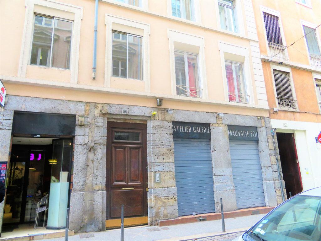 T2 PENTES DE LA CROIX ROUSSE 219000 €
