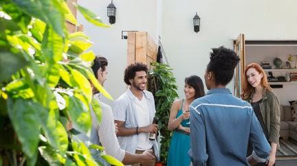 Vrai-Faux : Plantations : les règles de bon voisinage